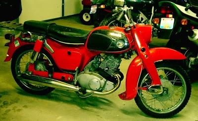vintage 1966 CA95 Honda Benly (150 cc)