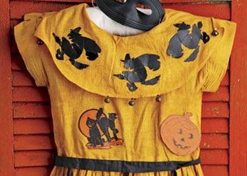 Vintage-Halloween-Costume-1
