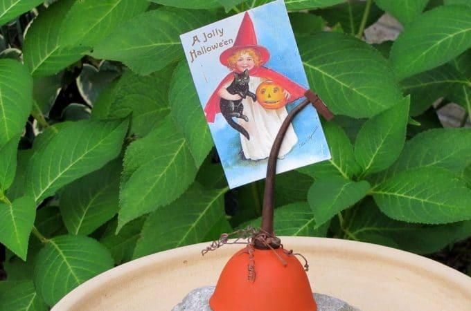 Repurposed Oil Can Pumpkin For Fall