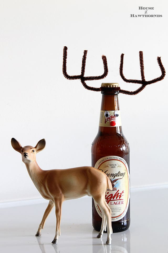 How to make your beer (or pop for that matter) bottles into cute little reindeer for the holiday season.  They make a great DIY Christmas hostess gift too.  via houseofhawthornes.com