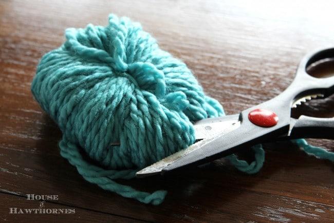 Fun and easy DIY pom pom tutorial for ice skates and home decor