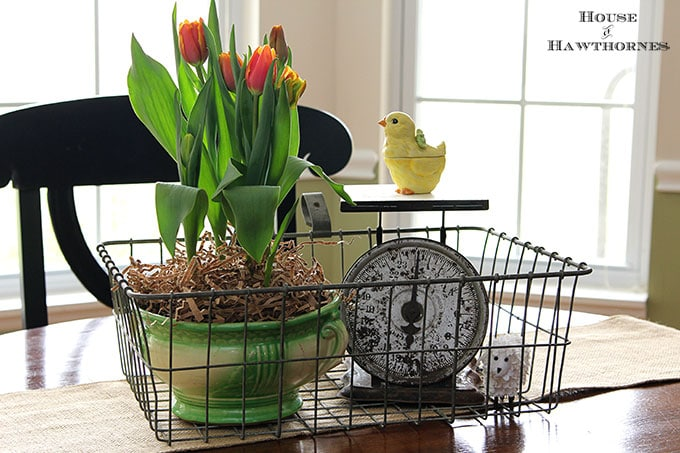 DIY Vintage Modern Farmhouse Easter Centerpiece