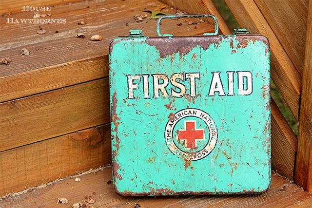 Vintage Red Cross fist aid kit @ houseofhawthornes.com