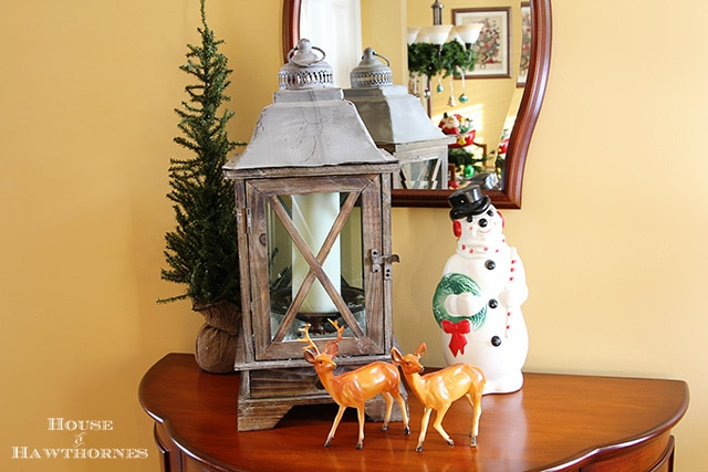 Using vintage Christmas deer in your holiday decor