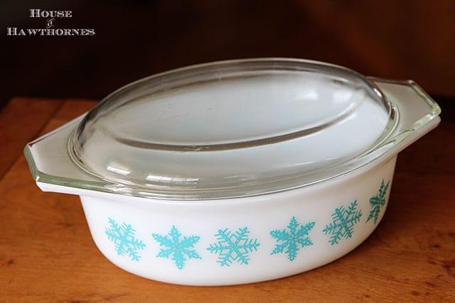 Snowflake Pyrex Casserole Bowl