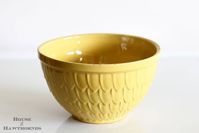 Vintage McCoy Mixing Bowl (fish scale, artichoke or petal, feather pattern)