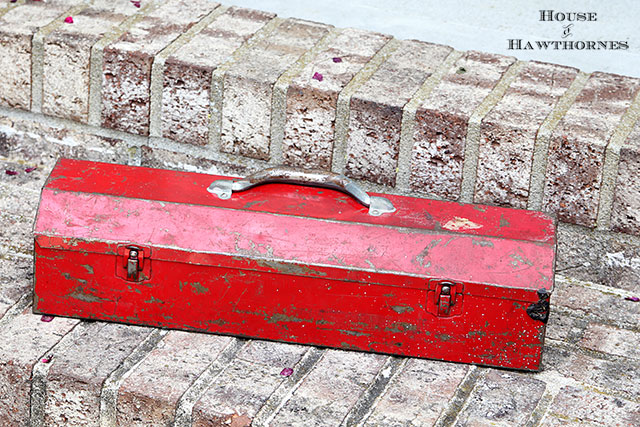 Red toolbox found at yard sale. Will be great to upcycle.