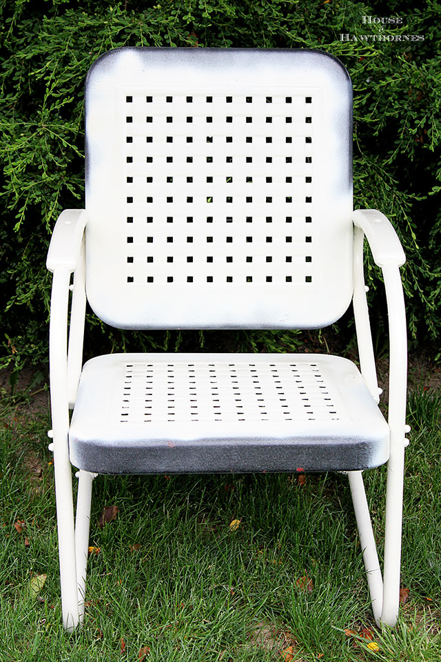 Easy To Follow Diy Tutorial On How Paint A Vintage Metal Lawn Chair Or