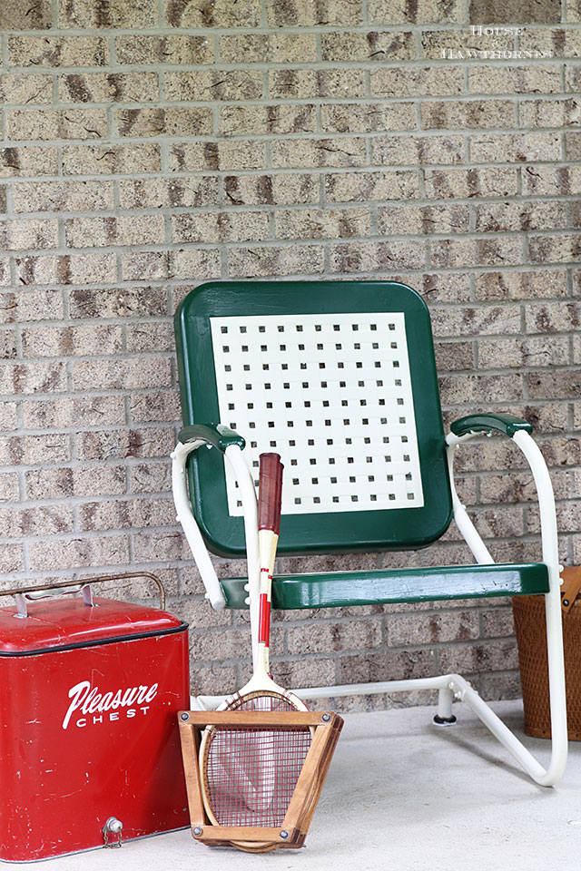 Easy To Follow DIY Tutorial On How To Paint A Vintage Metal Lawn Chair. Or