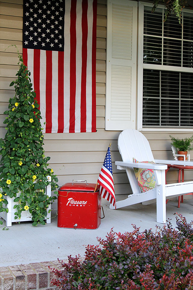 Patriotic home tour at House Of Hawthornes - patriotic porch