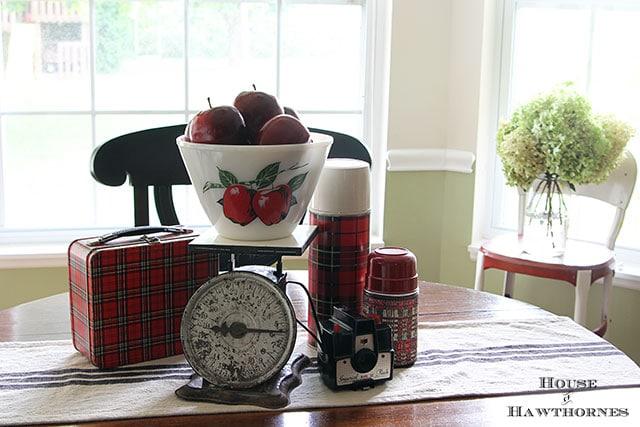 Fall apple vignette for the kitchen table via houseofhawthornes.com