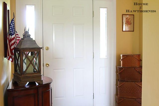 An eclectic vintage entryway via houseofhawthornes.com