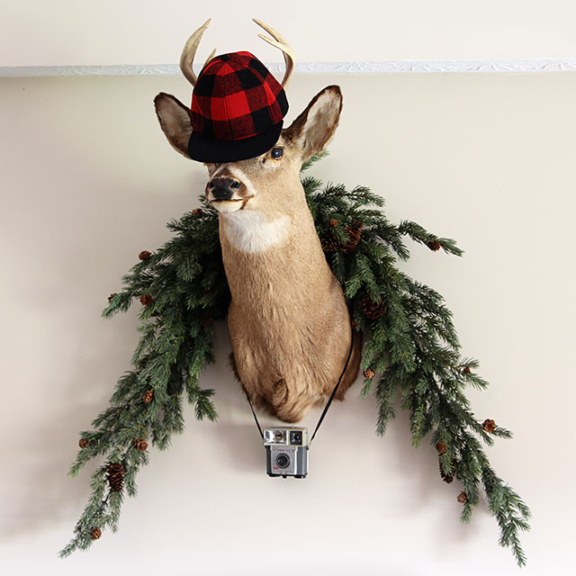 Christmas deer - LOTS of unique ideas and inspiration for using plaid Christmas decor in your home for the holidays, including both buffalo check and traditional plaids.
