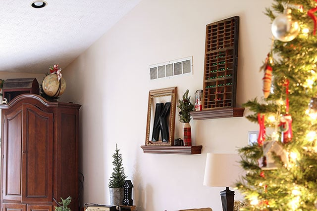 A Holiday House Tour With Lots Of Christmas Decorating Ideas, Including  Many Vintage Christmas Decorations
