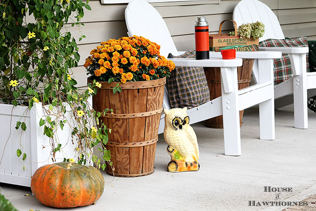 Eclectic Vintage Farmhouse Rustic Fall Porch via houseofhawthornes.com