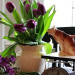 Spring tablescape in the farmhouse decorating style