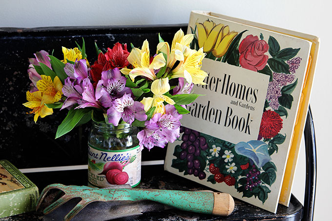 Vintage Style Garden Decorating In The Entryway, Including Vintage Garden  Planters, Gardening Tools And