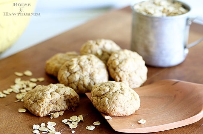 Best Soft And Chewy Oatmeal Cookies