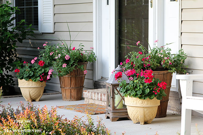 summer porch decorating ideas - house of hawthornes