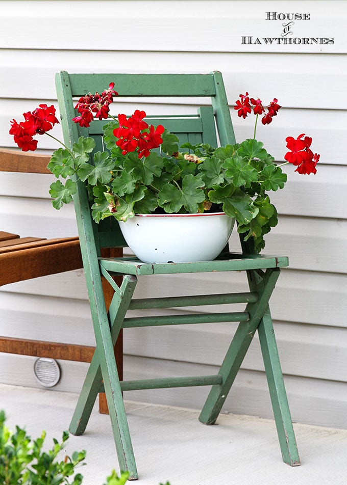 Baby got back porch ideas house of hawthornes for Simple patio decorating ideas