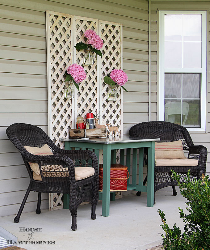 Summer back porch decorating ideas with an eclectic style. Easy DIY and decor inspiration for & Baby Got Back Porch Ideas - House of Hawthornes