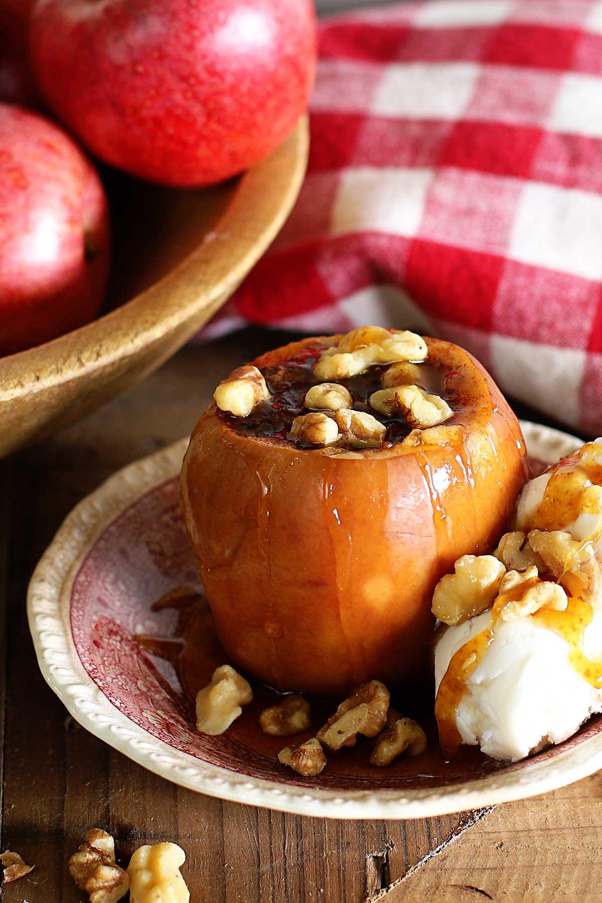 slow cooker baked apple recipe
