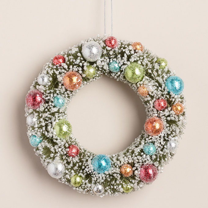 Retro inspired bottlebrush Christmas wreath with ornaments