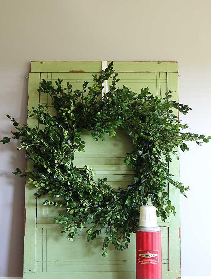 Quick & Easy Boxwood Wreath Tutorial