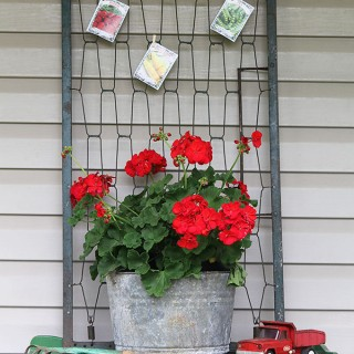 Spring is the best time to find yard sale treasures and I'm showing you my latest yard sale finds, including crib springs repurposed into porch decor.