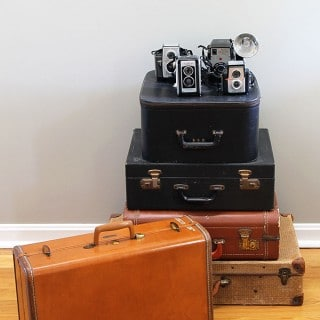 Tips for cleaning and deodorizing a vintage suitcase. Or any suitcase for that matter. Normally I'm a sniff it before I buy it kind of person, but occasionally you end up with a stinky one.