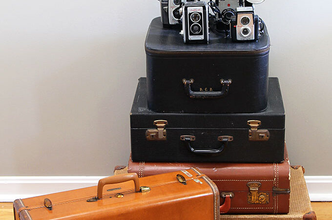 Cleaning A Stinky Vintage Suitcase