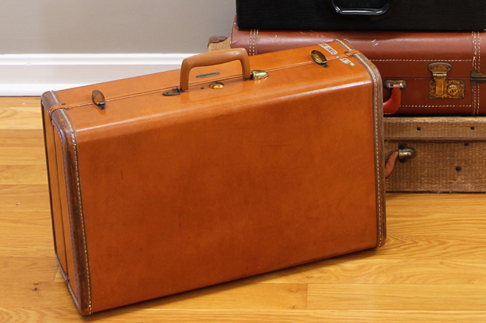 Cleaning A Stinky Vintage Suitcase - House of Hawthornes