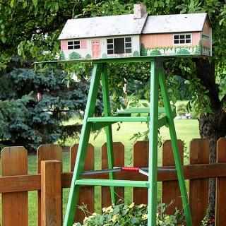 Vintage-Marx-Tin-Dollhouse-Birdhouse-4417