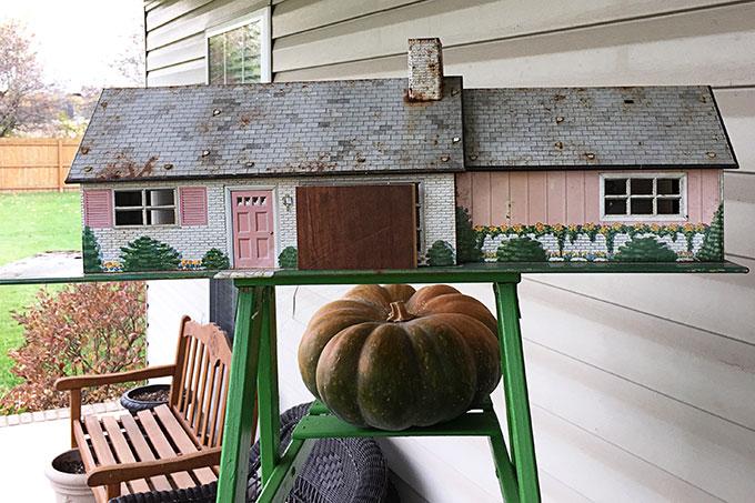 vintage-dollhouse-birdhouse-4658