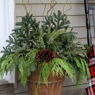 winter-porch-pots-tutorial-6016