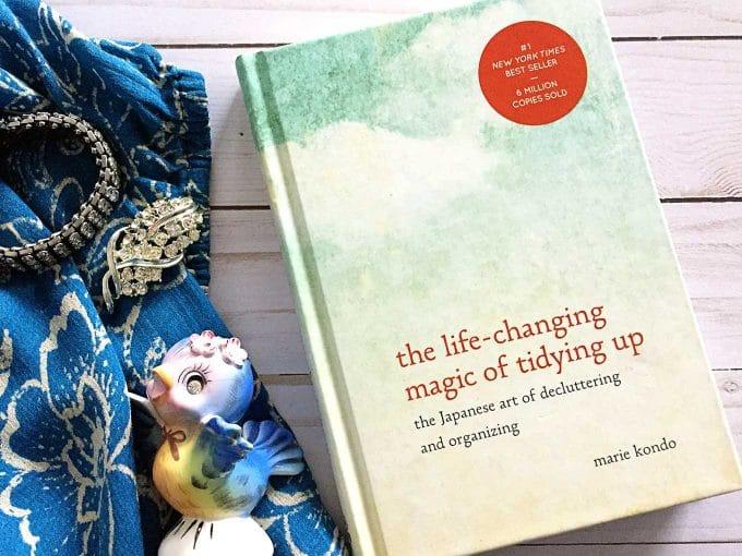 How to adapt the KonMari Method for thrift store, estate sale and yard sale shoppers. Adhering to Marie Kondo's plan doesn't have to be a challenge.