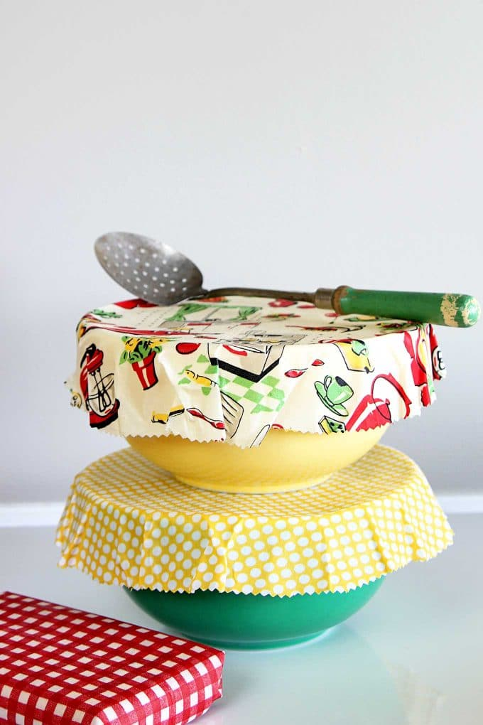 DIY Reusable beeswax food wrap and bowl covers are a simple eco-friendly alternative to plastic wrap. EASY to make, cute and great for summer picnics.
