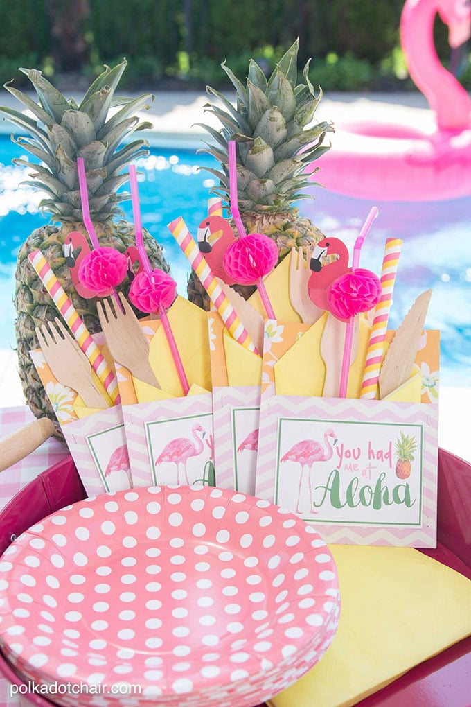 Flamingo party supplies from Polka Dot Chair