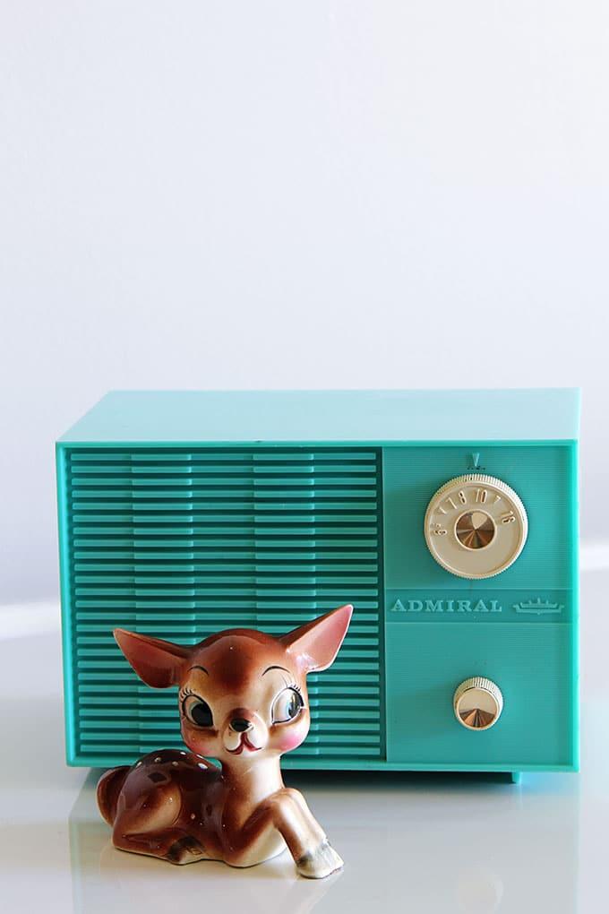 Aqua Admiral vintage radio