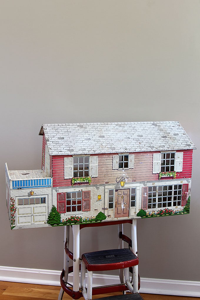 Vintage Marx tin dollhouse