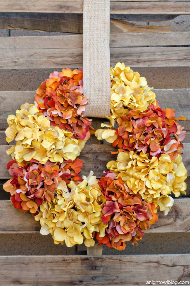 Easy fall hydrangea wreath from A Night Owl blog.