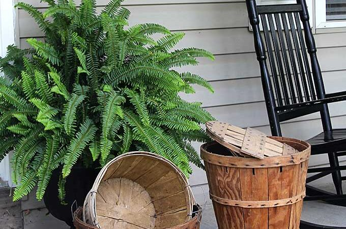10 Porch Decor Ideas To Score At The Flea Market