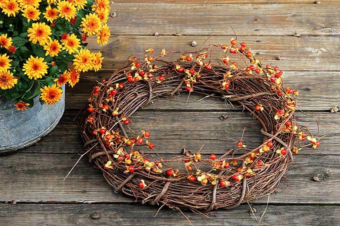 Fall outdoor wreath tutorial