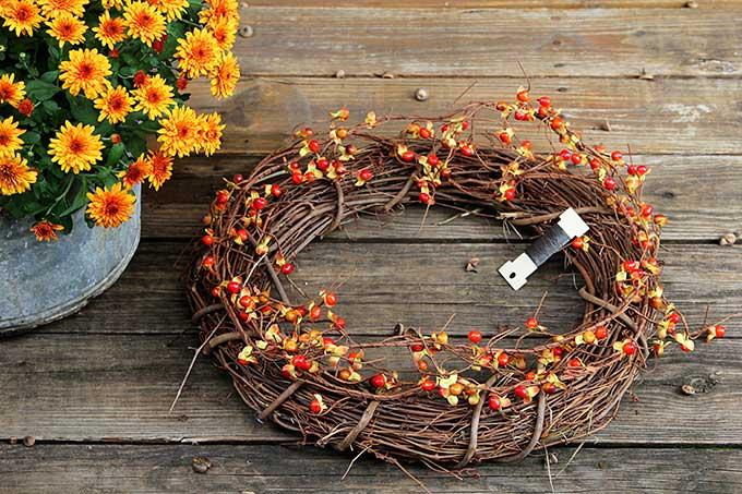 Fall outdoor wreath tutorial