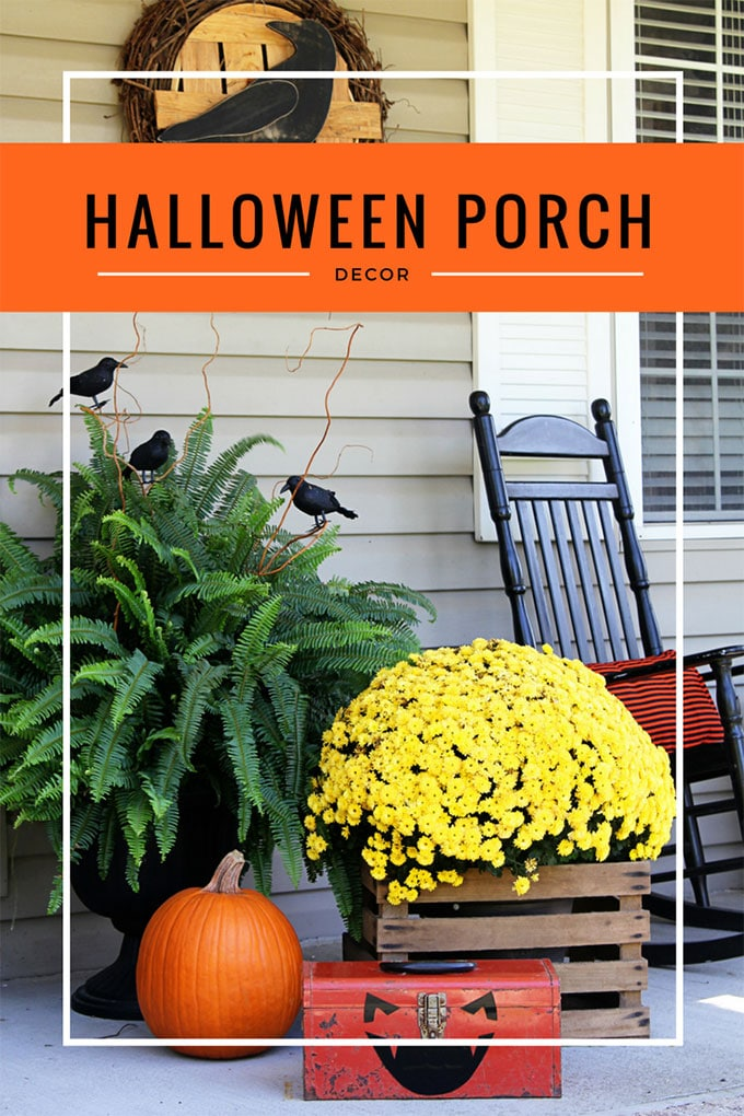 Quick & Easy Halloween porch decorations to transform your fall porch into a Halloween porch without a lot of super spooky stuff.