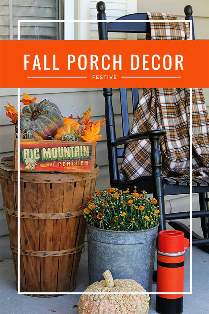 Festive front porch fall decor mixing traditional with farmhouse for the perfect fall look. #fallfrontporch #fallporch #fallporchdecor #porchdecor #farmhouseporch #farmhousedecor