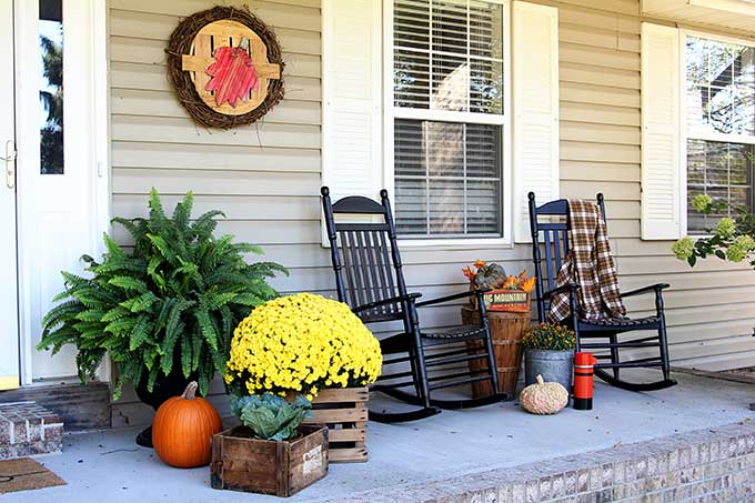 Farmhouse front porch fall decor house of hawthornes - Fall front porch ideas ...
