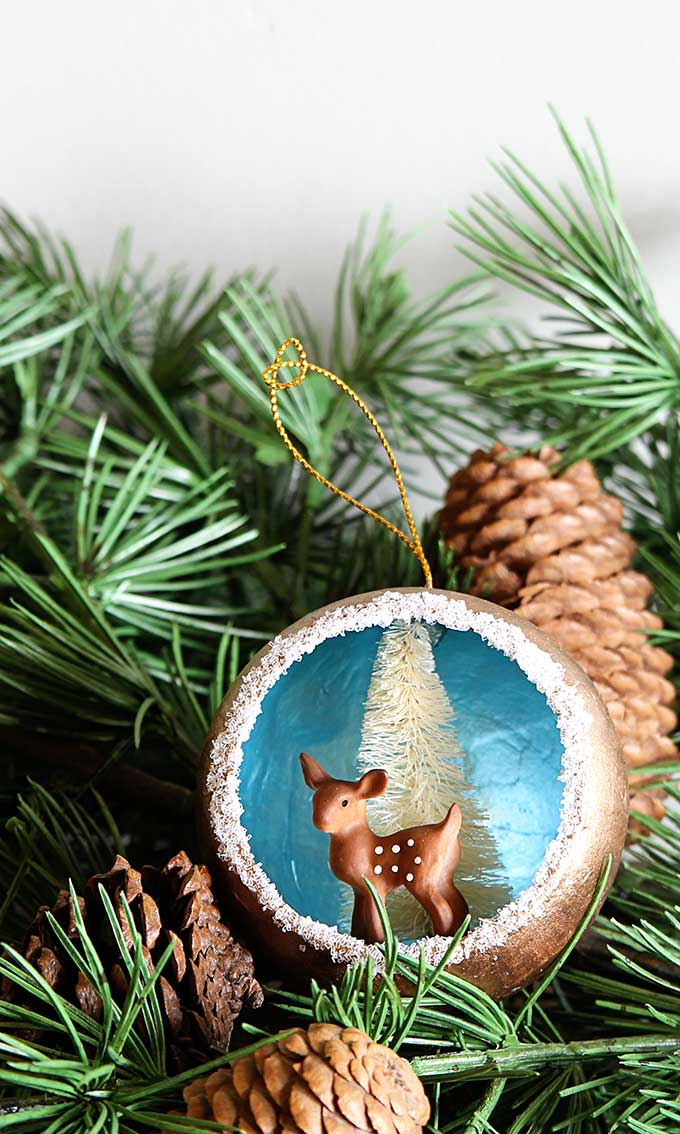 remake nostalgic 50s christmas decorations with this quick easy christmas ornament tutorial for retro christmas