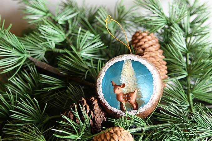 DIY retro Christmas tree ornaments
