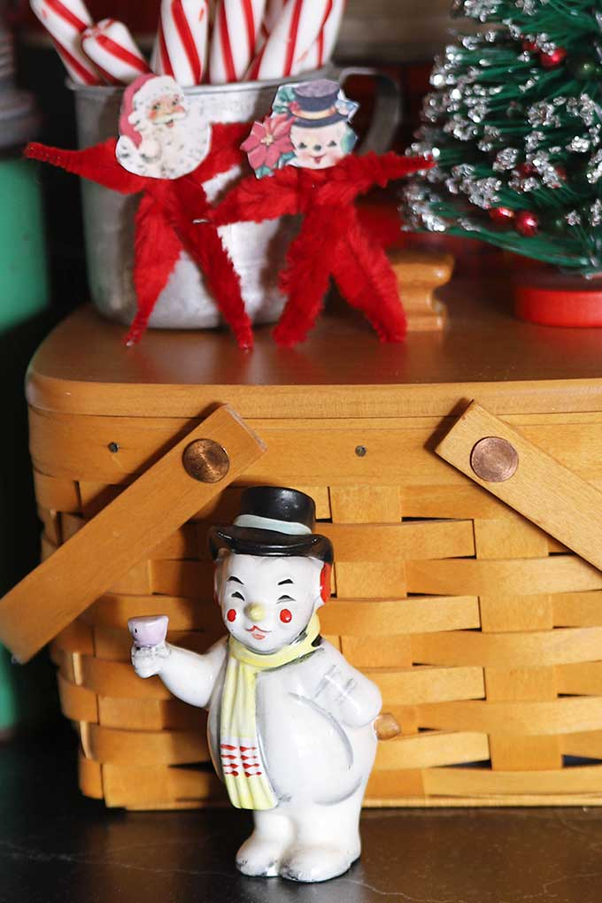 Vintage snowman salt and pepper shaker